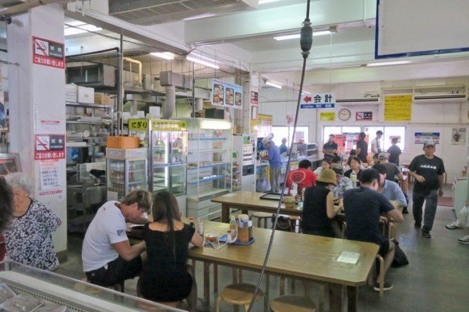 沖縄市「泡瀬漁港 パヤオ直売店」に併設している食堂。