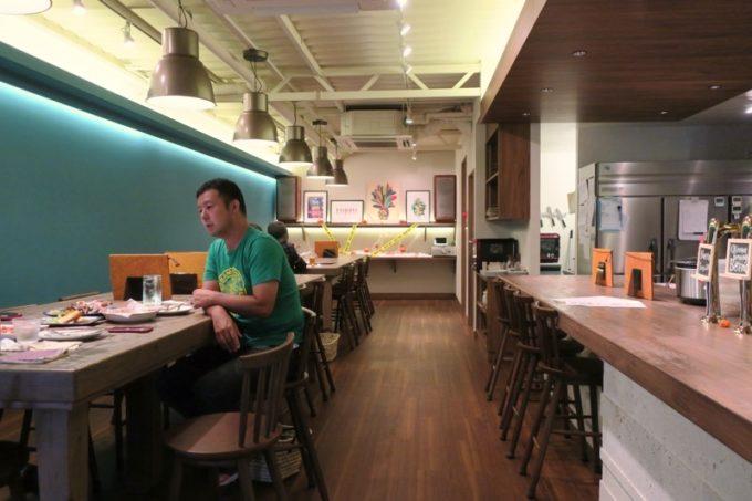 那覇・サンライズなは商店街「Taste of Okinawa(テイスト オブ オキナワ)」の店内。