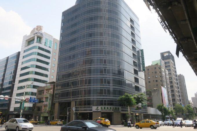 台北中心部にある「グリーンワールドグランド南京(洛碁大飯店南京館)」に宿泊してきた。