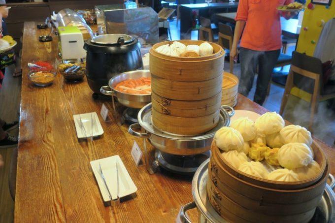 台北「グリーンワールドグランド南京(洛碁大飯店南京館)」朝食ビュッフェをいただく(点心など)
