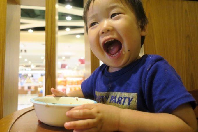 おいしい食事に大満足のお子サマーでありました。