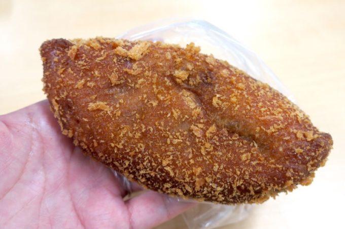 那覇・国場「カバのパン屋さん」のカレーパン(140円だったかな?)