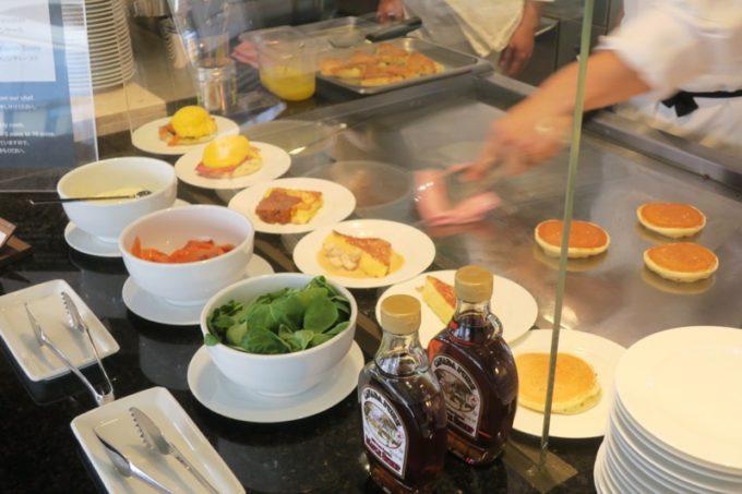 「ハイアットリージェンシー瀬良垣アイランド沖縄」オールデイダイニング セラーレの土日祝限定ウィークエンドブランチブッフェのパン。