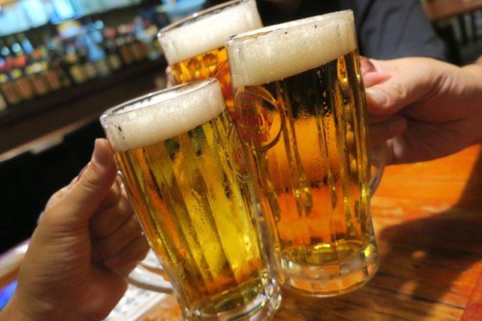 沖縄市「居酒屋 串源」麦職人(300円)で乾杯。