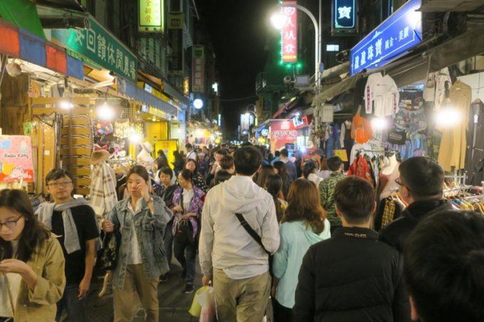 台湾・台北「士林夜市」メインストリートから横道へ逸れてみる。
