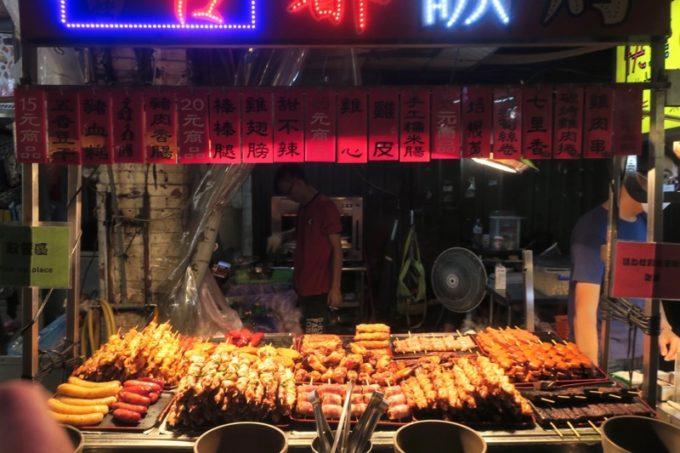 台湾・台北「士林夜市」の焼き鳥屋さん。