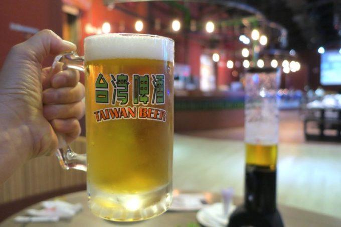台湾ビール工場併設「Super 346 Live House」18天台灣生啤酒(450ml,TWD90)