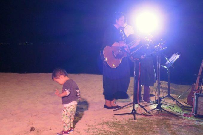 伊江島「ビーチグランピングBBQ」おもてなしのライブ演奏(その1)