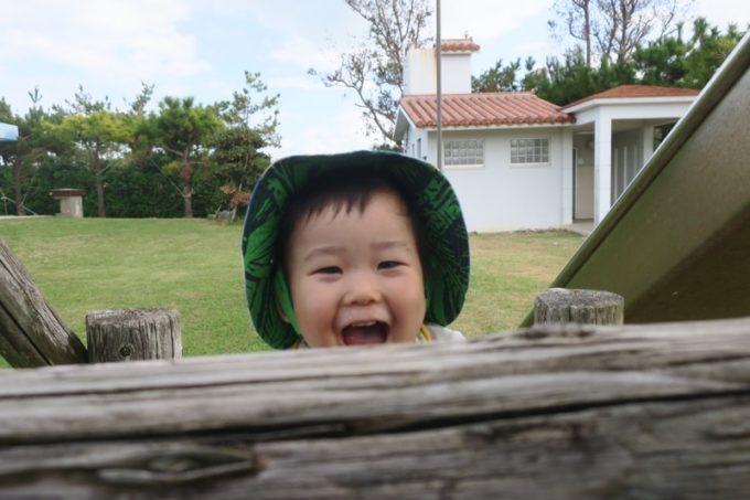 伊江島の阿良地区にある集会所の公園で遊ぶお子サマー(その3)