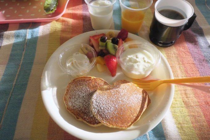伊江島「伊江ビーチ」で朝ごはんを食べた。