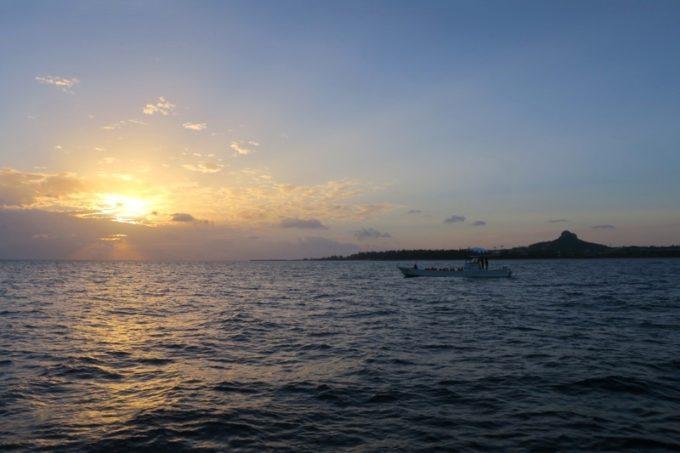 伊江島タッチューとサンセット。