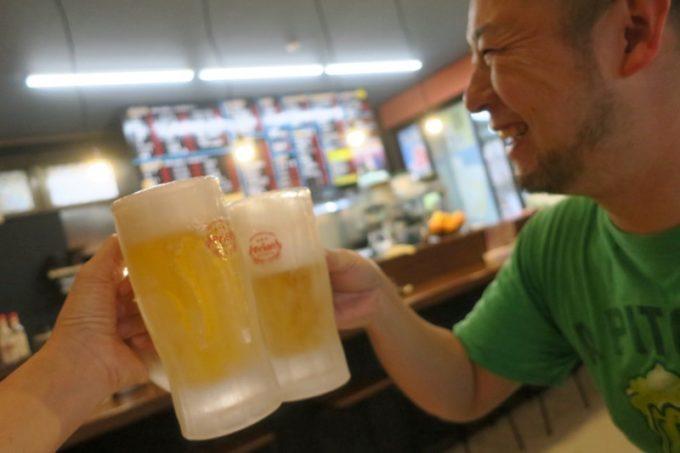 読谷「もつ焼 あぶさん」ビールはオリオン生ビール(350円)