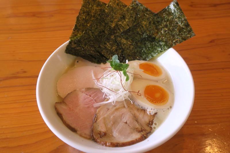 西原「らぁ麺 やな木」鶏白湯(750円)の特製もり(250円)、のり3枚トッピング(計60円)