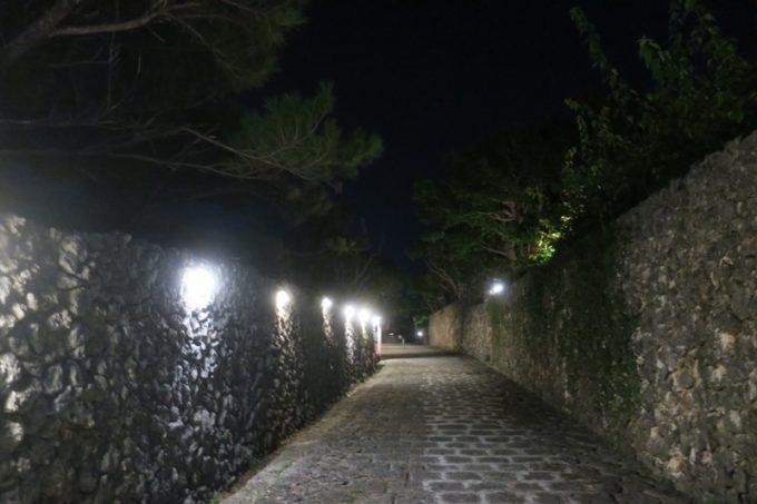 読谷「ホテルむら咲むら」は夜になると真っ暗になる。