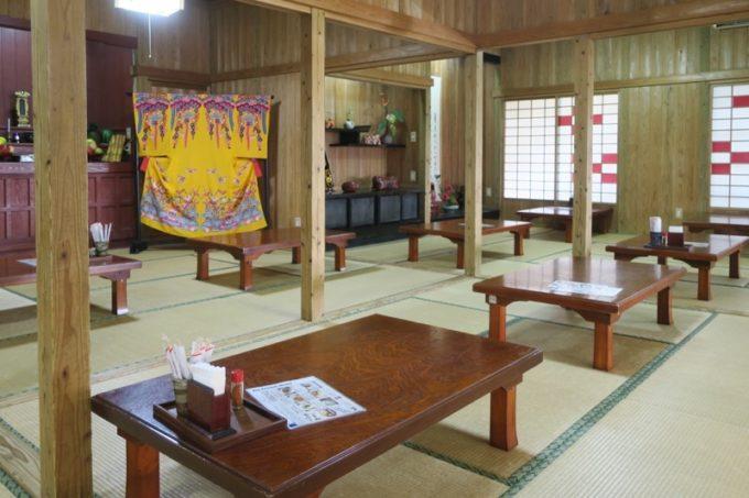 読谷「ホテルむら咲むら」琉球武家屋敷・謝名亭の朝ごはん会場。
