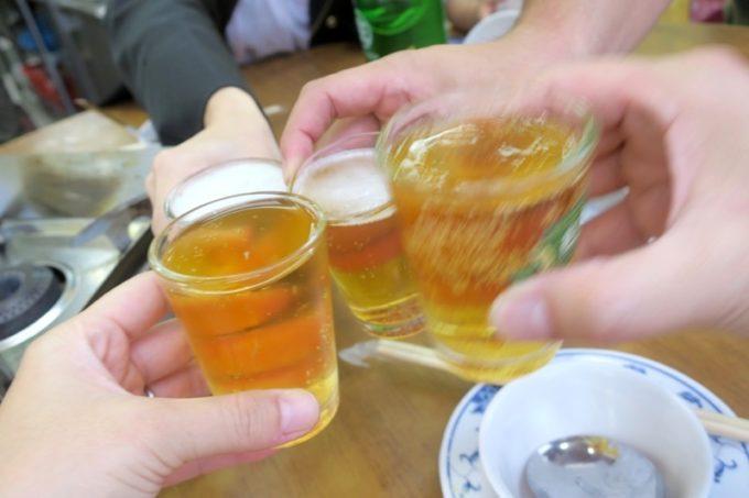 台湾・高雄「水源羊肉爐」N夫婦と乾杯。