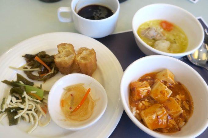 台湾・高雄「リーズホテル(麗尊酒店)」艾可柏菲(CERCLE)の朝食ビュッフェで食事(その2)