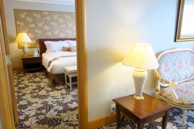 台湾・高雄「リーズホテル(麗尊酒店)」20階のデラックスダブルルームには2つのお部屋がある。