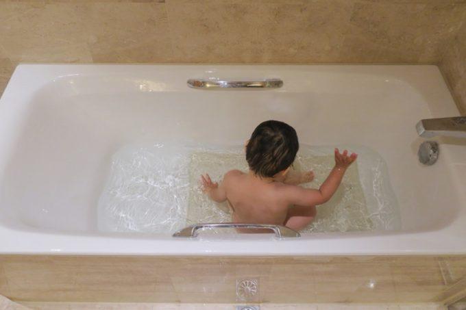 台湾・高雄「リーズホテル(麗尊酒店)」デラックスダブルルームの浴槽に毎日入った。