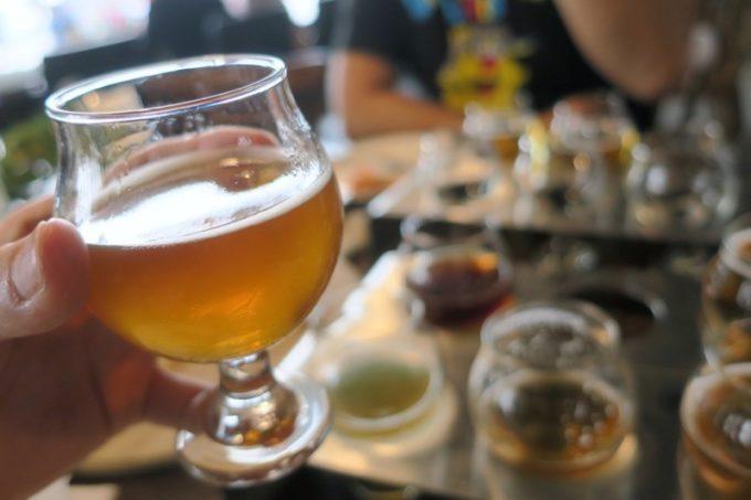 台湾・高雄「掌門精釀啤酒 棧貳庫店」最も飲みやすかったのは、23番の單膝下桂(オスマントゥスペールエール)。金木犀のビールだ。