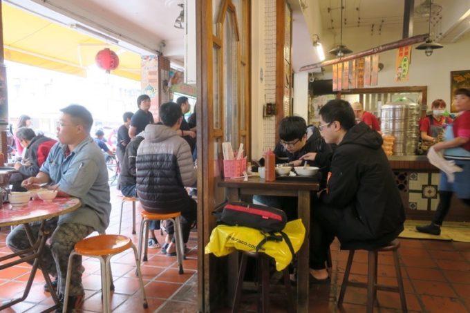 台湾・高雄「郭家肉粽」の入り口付近。