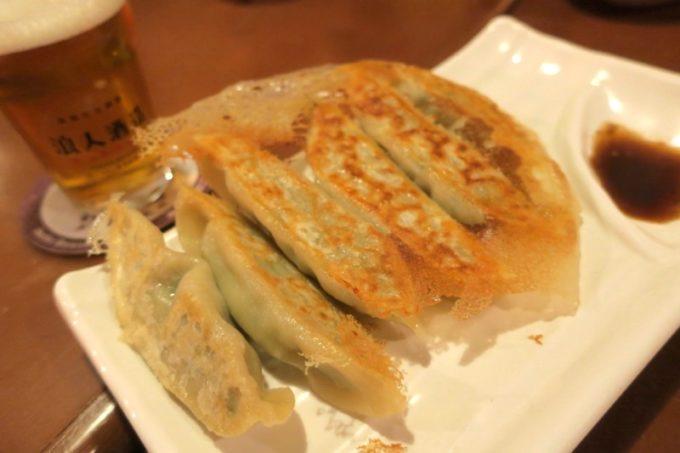 台湾・高雄「浪人酒造(Surfer Brewery)」の煎餃(6個入り、TWD120)