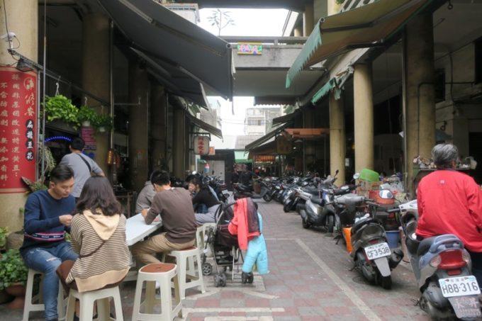 台湾・台南「鴨母寮市場」から歩いた、おそらく永楽市場の様子。