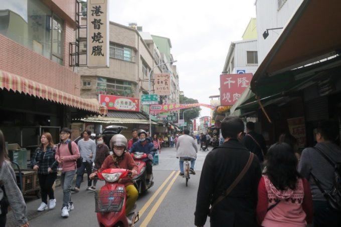 台湾・台南「鴨母寮市場」から歩いた、たぶん永楽市場の様子。