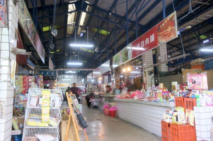 台湾・台南「鴨母寮市場」にあるショップ。