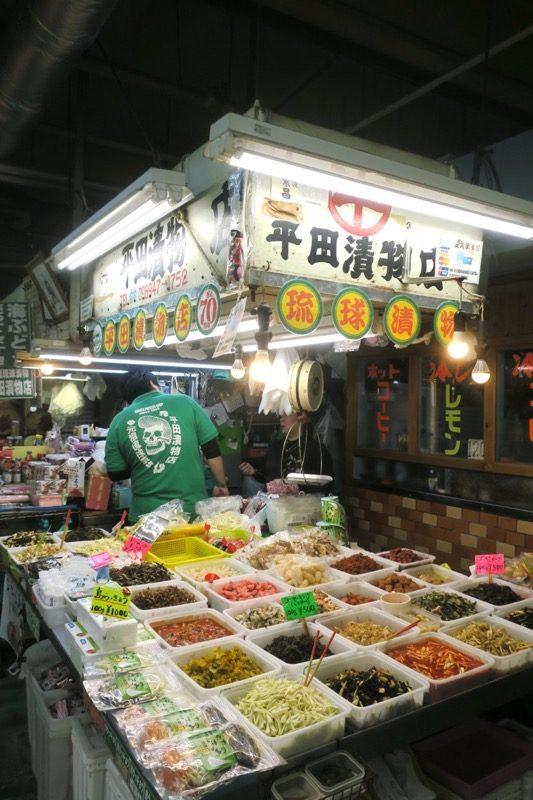 2019年6月16日で一時閉鎖する、那覇・牧志公設市場1階の様子(平田漬物店)