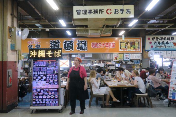 2019年6月16日で一時閉鎖する、那覇・牧志公設市場2階にある食堂の様子(道頓堀)