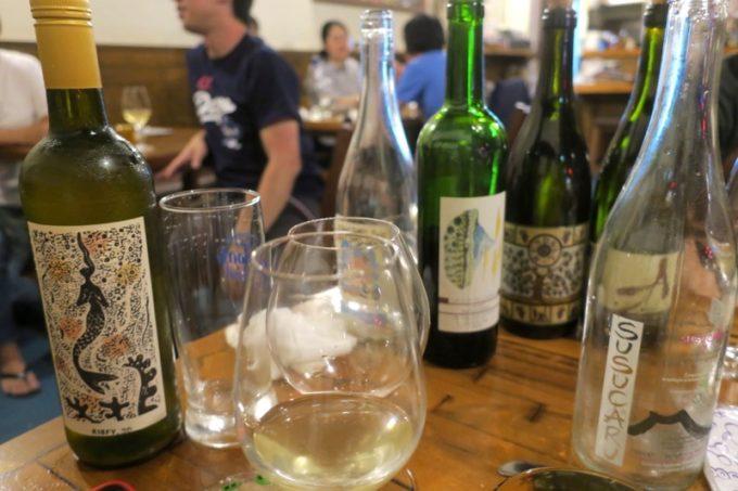 恩納村「ビストロ おんな食堂」でワイン祭りになってしまった。