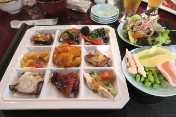 リザンシーパークホテル谷茶ベイ「飲茶&広東料理 マンダリンコート」のディナーバイキング(取り分けて来た食事)