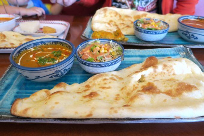 北谷・国体道路沿いのインド料理「タージオキナワ」のAランチ(900円)