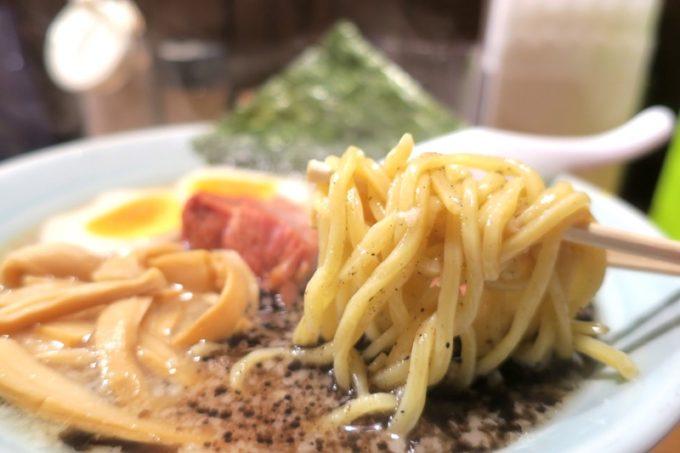 那覇・松山「丸麺屋製作所」の麺は太麺・細麺が選べる