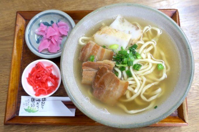 那覇・首里「ななほし食堂」そば(小、430円)