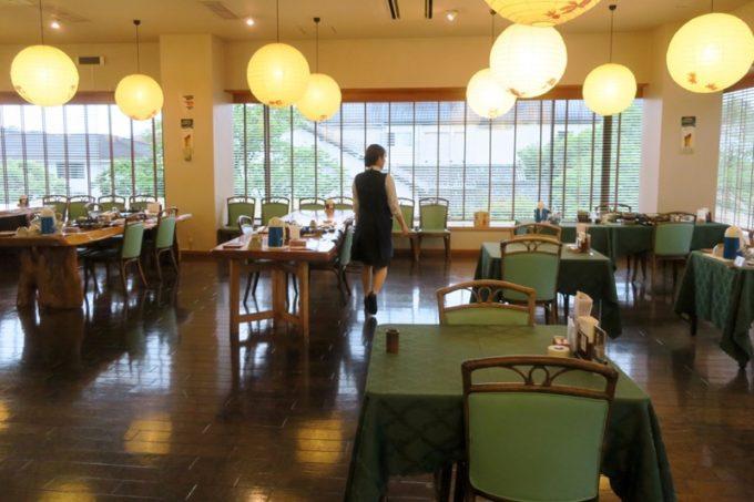 宮崎・綾町「酒泉の杜 綾陽亭」に宿泊した翌朝、照葉庵で朝ごはんを食べた。
