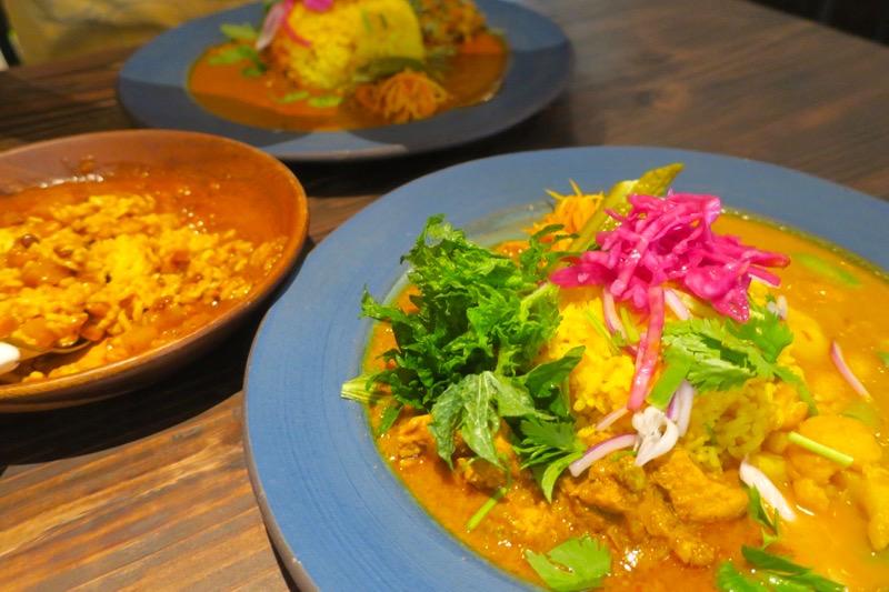 沖縄市・パルミラ通り「スパイスカレーパルミラ(SPICECURRY PALMYRA)」で食べたおいしいカレー。