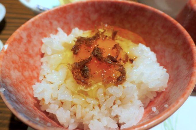 宮崎「極楽温泉 匠の宿」朝食で食べたおいしい卵かけごはん。