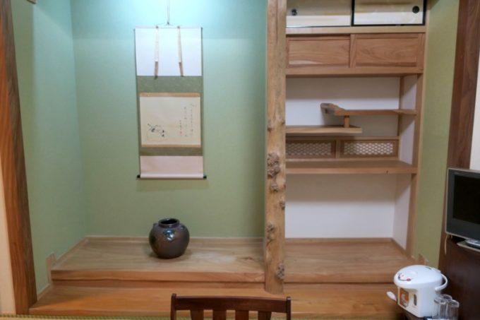 宮崎「極楽温泉 匠の宿」12畳和室の床の間