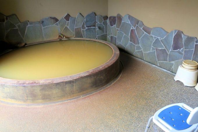 宮崎「極楽温泉 匠の宿」貸切風呂もいくつかあった。