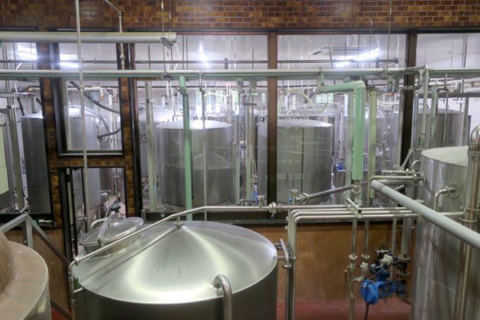 「宮崎ひでじビール」の醸造設備の様子(その1)
