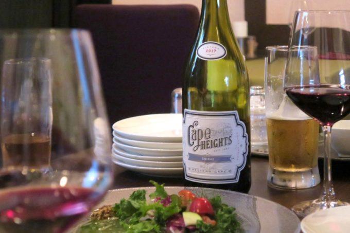那覇・栄町「ビストロ ルボングー(Bistro Le Bon Gout)」ブティノ ケープハイツ シラーズという赤ワイン、南アフリカのシラーズを合わせる。