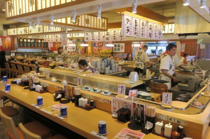 鹿児島県霧島市「廻る寿司 めっけもん 国分店」の店内カウンター席
