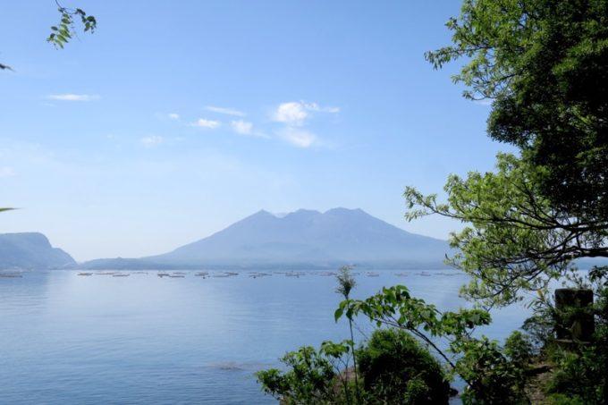 鹿児島のシンボル・桜島を太崎観音で眺めた。