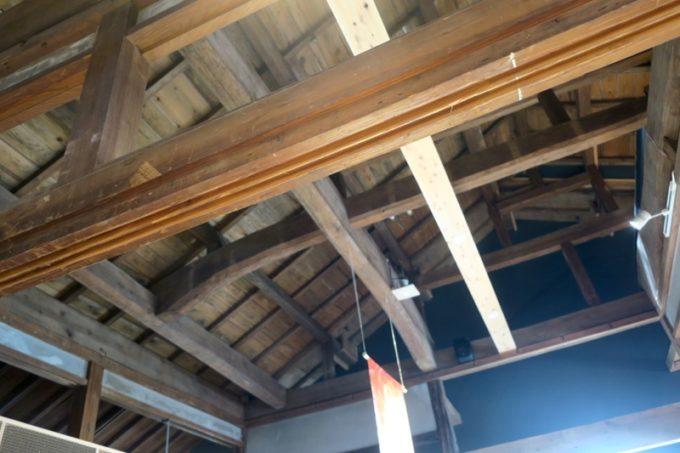 鹿児島・霧島市「森三 敷根本店」は110年の歴史を持つ店。リニューアルしても梁などは当時のまま。