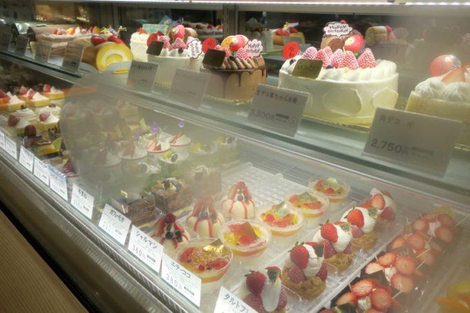 鹿児島・霧島市「森三 敷根本店」デコレーションケーキや、ショートケーキも販売している