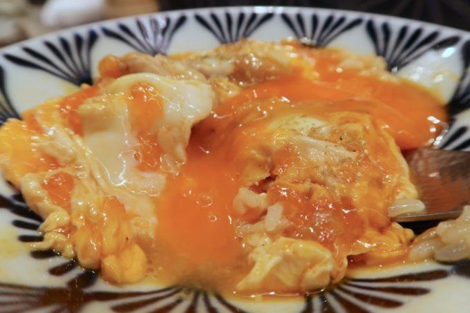 南風原「やきしん」親子丼には卵が3つも使われているそうだ