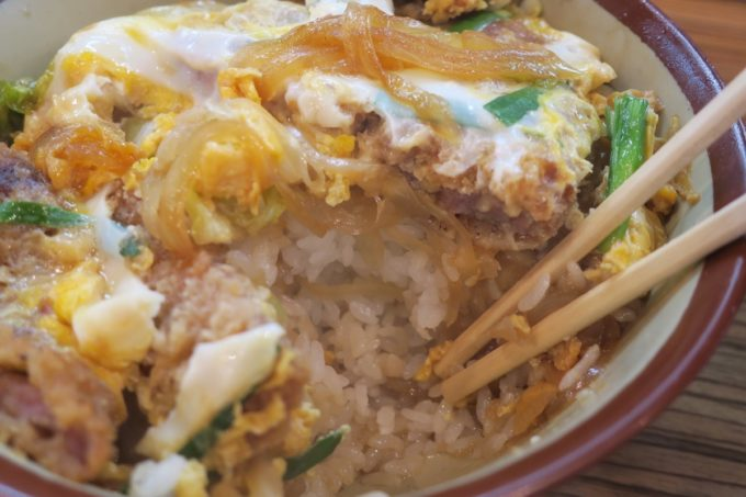 那覇・松山「三笠食堂」カツ丼のご飯の量がものすごい。