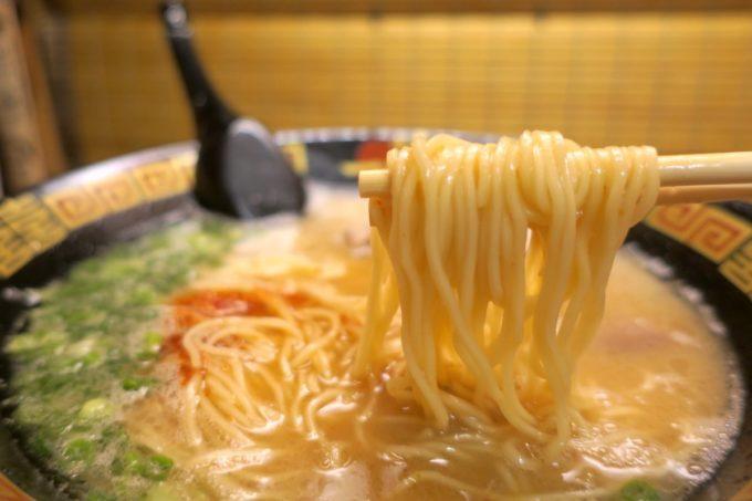 那覇・国際通り「一蘭」のストレート麺